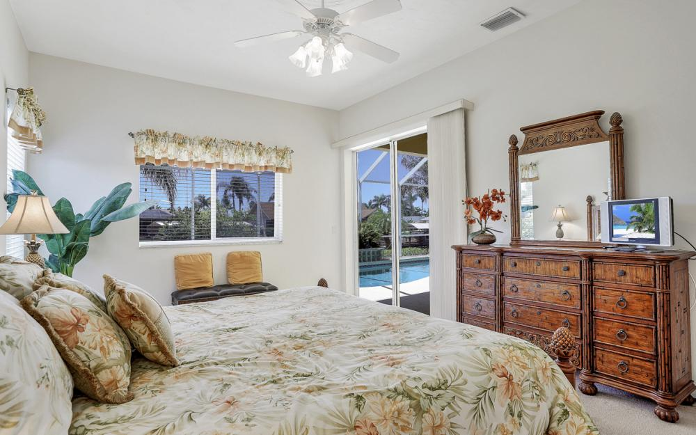 242 SW 45th St, Cape Coral - Home For Sale 1565304288