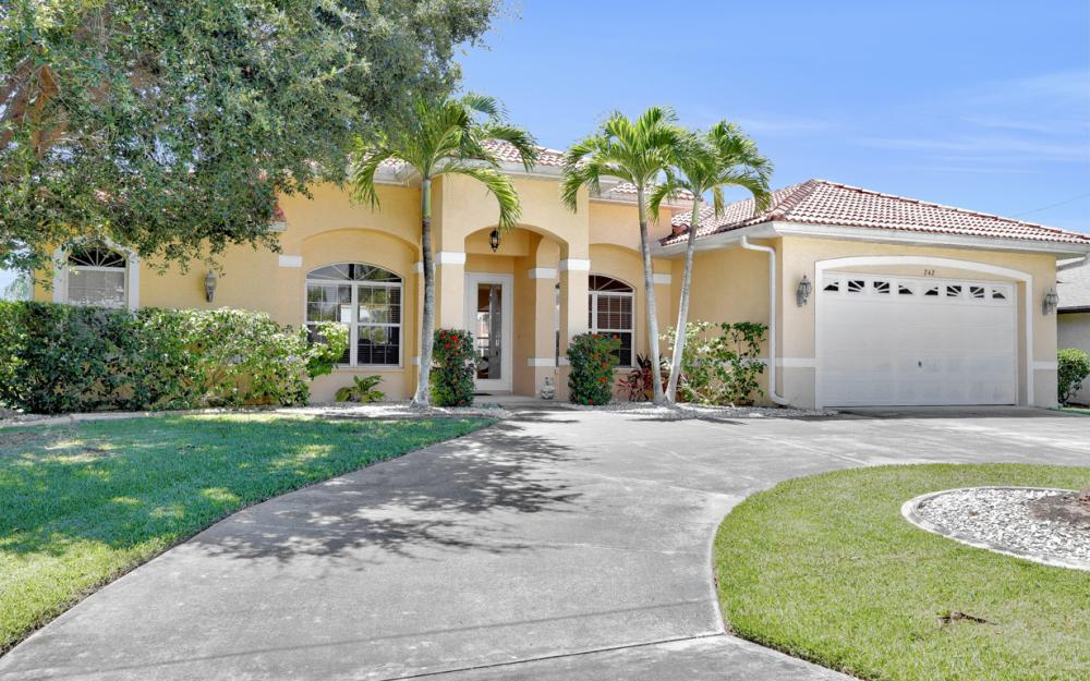 242 SW 45th St, Cape Coral - Home For Sale 616127105