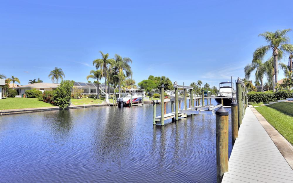5412 SW 2nd Ave, Cape Coral - Home For Sale 490038948