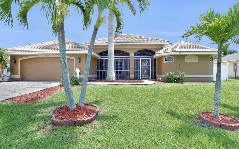 4907 Agualinda Blvd, Cape Coral - Home For Sale 1169072171