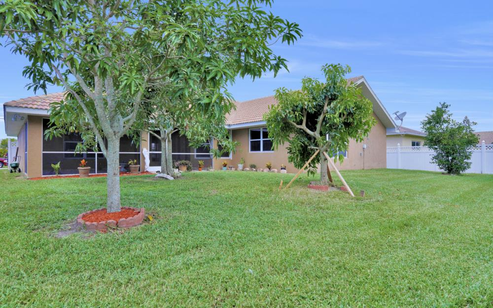 4907 Agualinda Blvd, Cape Coral - Home For Sale 1216181095