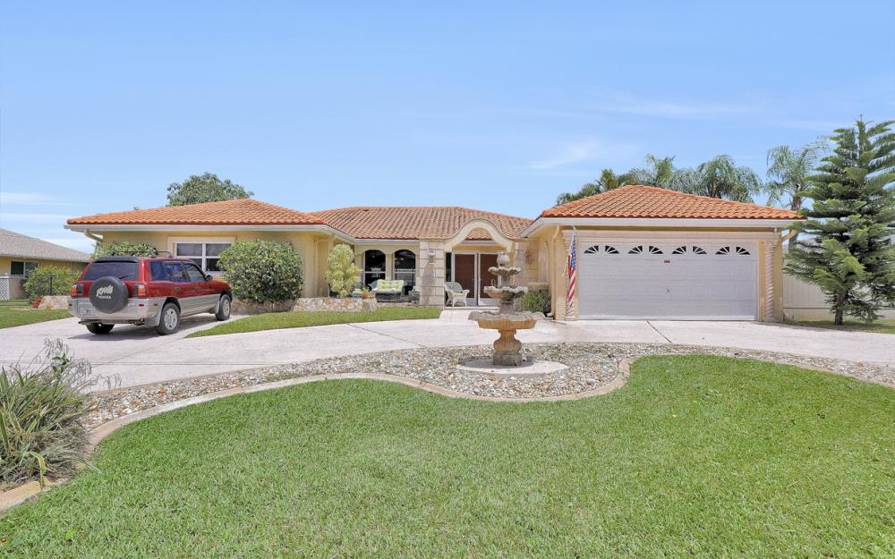 1039 SE 30th Ter, Cape Coral - Home For Sale 619776216