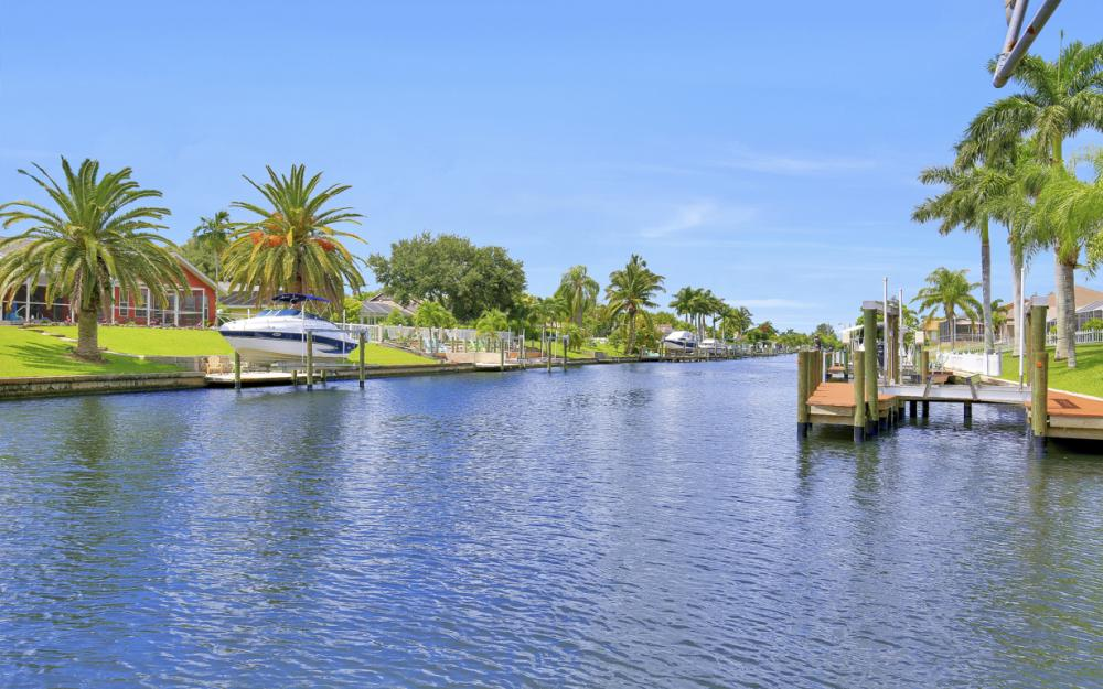 402 SE 31st Ter, Cape Coral - Home For Sale 2112426851