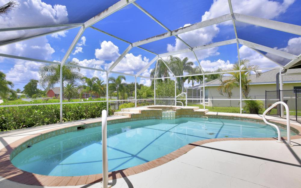 402 SE 31st Ter, Cape Coral - Home For Sale 416915709
