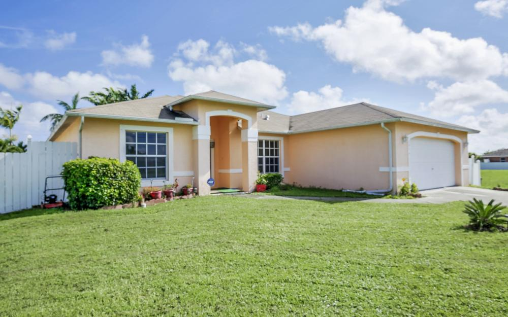 201 NW 6th Ter, Cape Coral - Home For Sale 1993184619