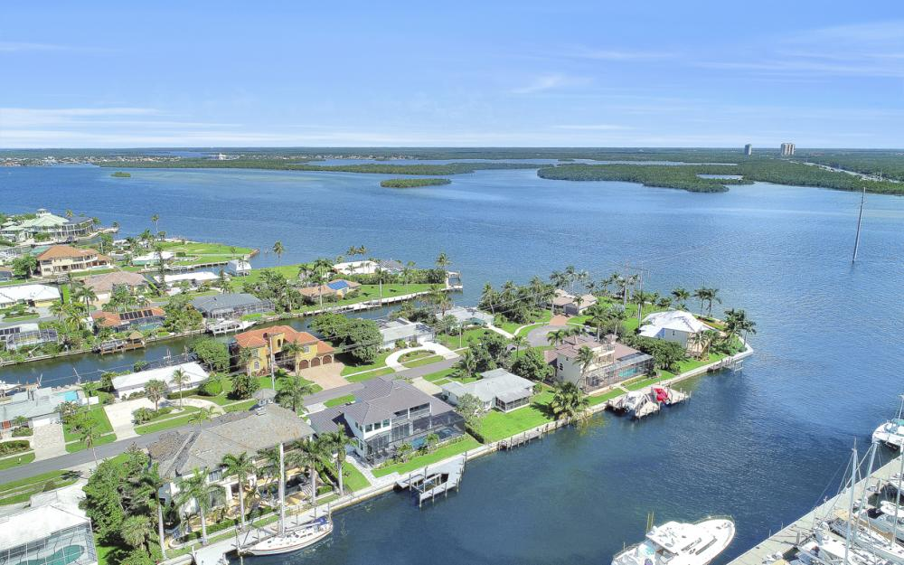 1285 Martinique Ct, Marco Island - Home For Sale 421072718