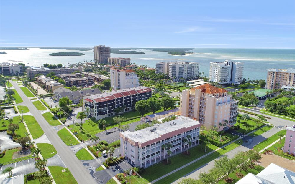 1020 Swallow Ave #302, Marco Island - Condo For Sale 1796992553