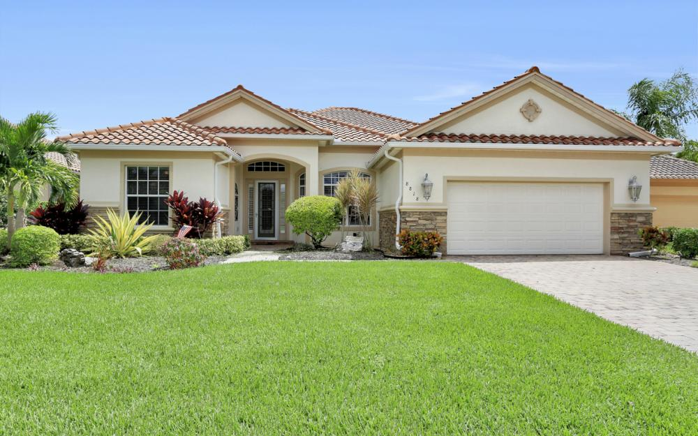 8818 Spinner Cove Ln, Naples - Home For Sale 438356489