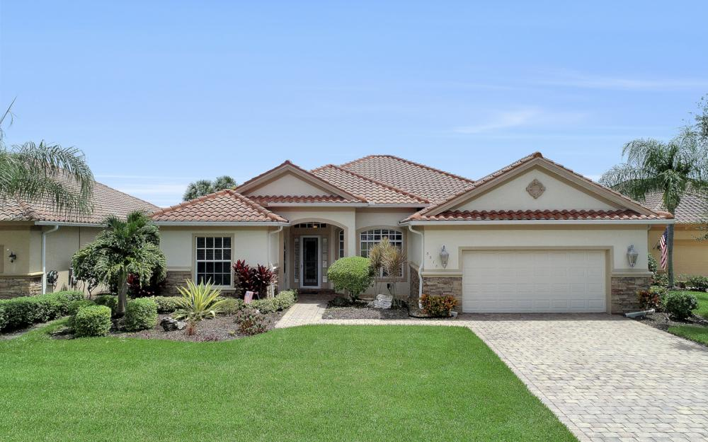 8818 Spinner Cove Ln, Naples - Home For Sale 1009245070