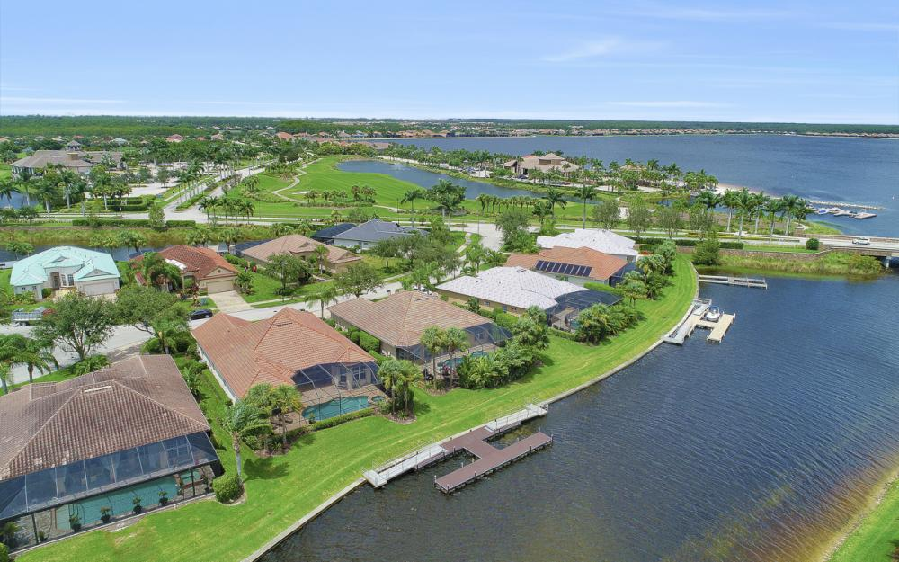 8818 Spinner Cove Ln, Naples - Home For Sale 477337968