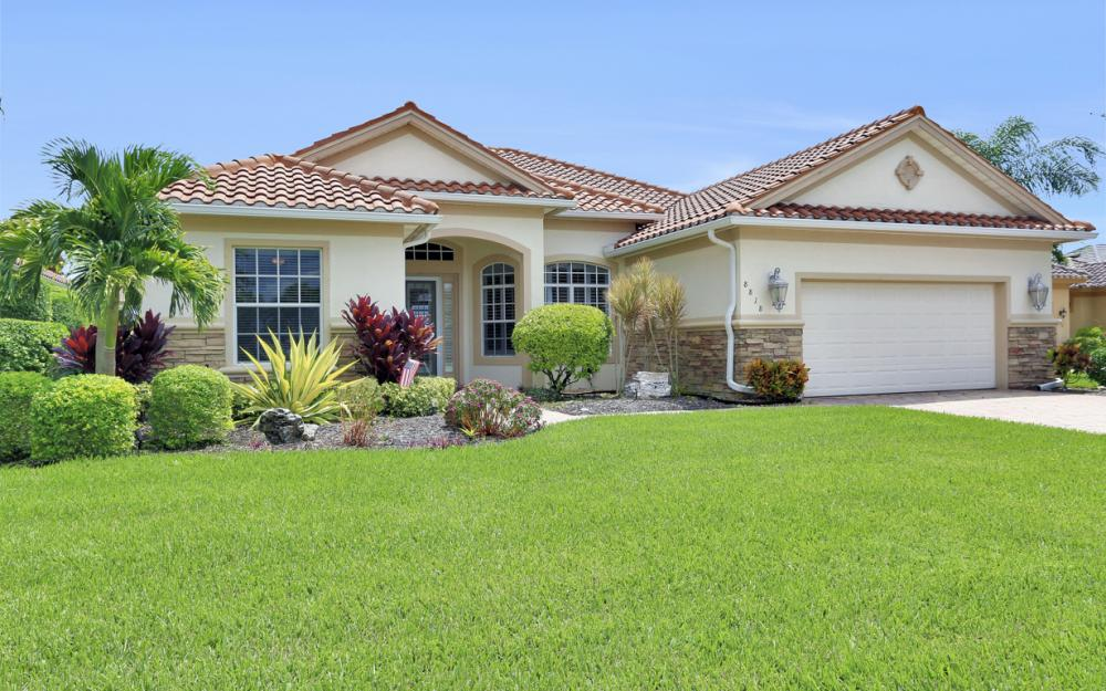 8818 Spinner Cove Ln, Naples - Home For Sale 876657051