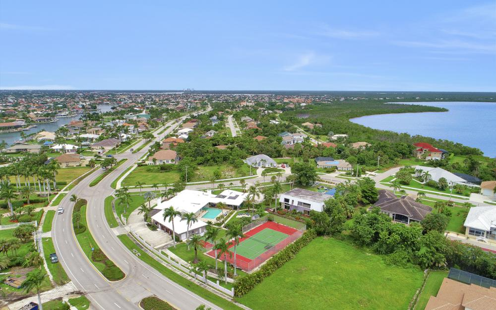 551 S Barfield Dr, Marco Island - Home For Sale 756668106