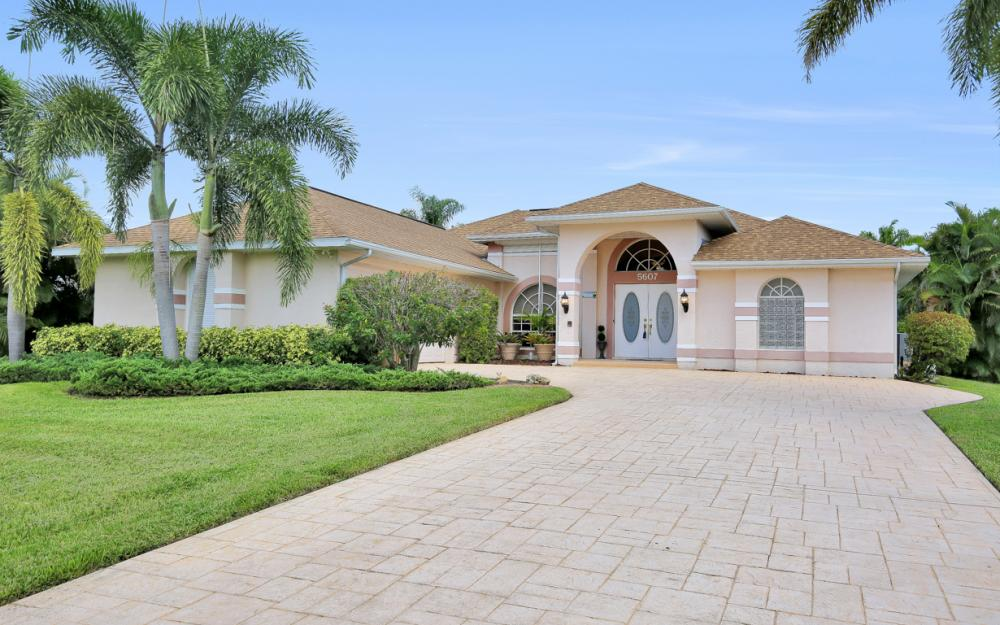 5607 Coronado Ct, Cape Coral - Home For Sale 1294997274