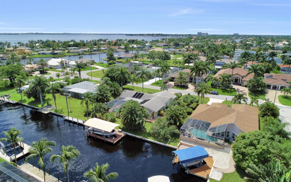 5607 Coronado Ct, Cape Coral - Home For Sale 59499006