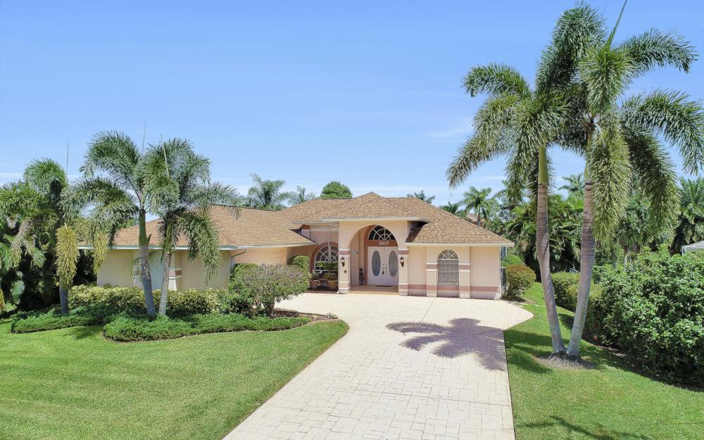 5607 Coronado Ct, Cape Coral - Home For Sale 1873979201