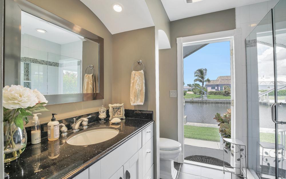 467 Nassau Ct, Marco Island - Home For Sale 584236936