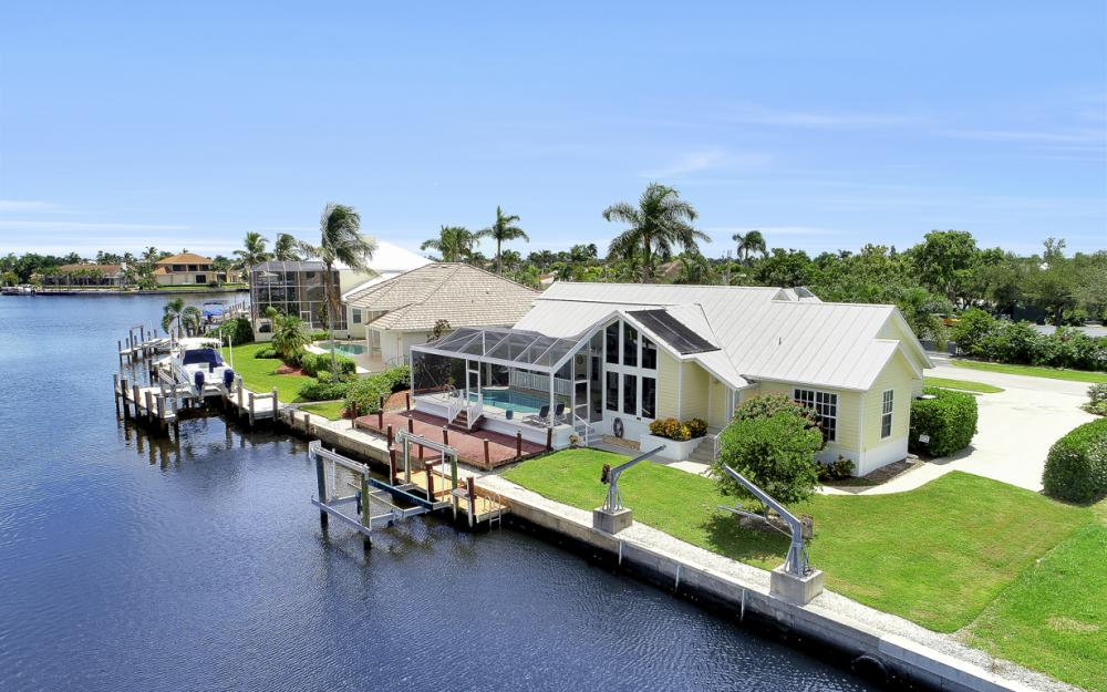 467 Nassau Ct, Marco Island - Home For Sale 477671736