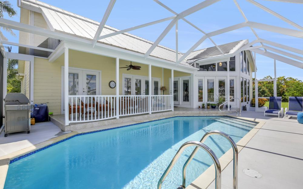 467 Nassau Ct, Marco Island - Home For Sale 783352233