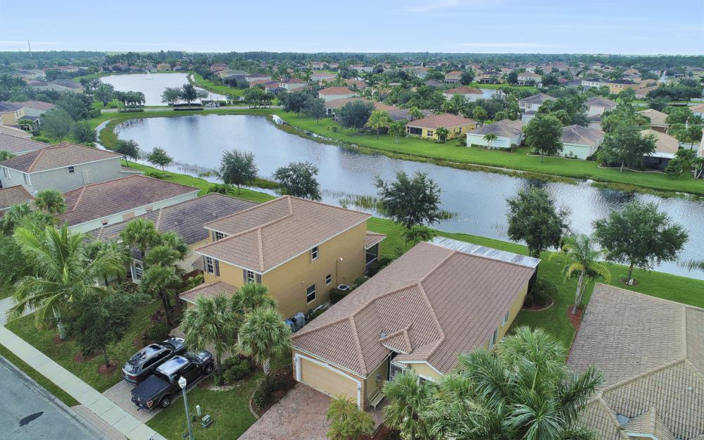 2553 Deerfield Lake Ct, Cape Coral - Home For Sale 1394382623