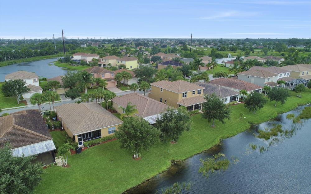 2553 Deerfield Lake Ct, Cape Coral - Home For Sale 834075044