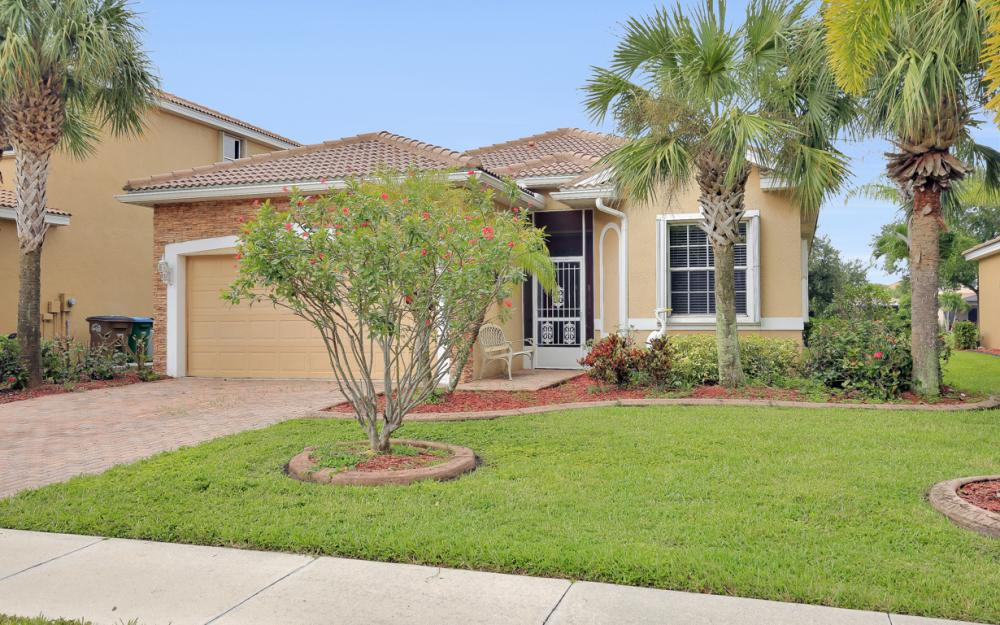 2553 Deerfield Lake Ct, Cape Coral - Home For Sale 570455099