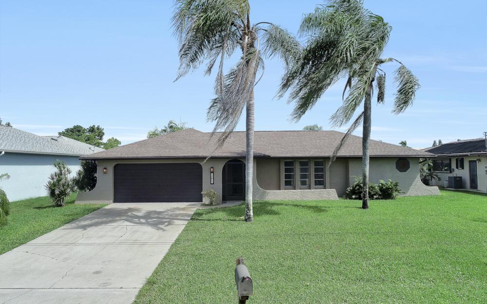 1201 SE 32nd Ter, Cape Coral - Home For Sale 1800025031