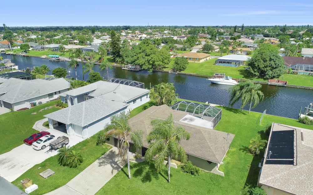 1201 SE 32nd Ter, Cape Coral - Home For Sale 178837537