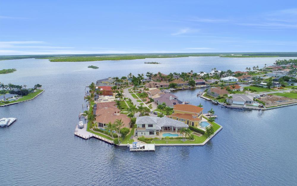 488 Pepperwood Ct, Marco Island - Home For Sale 456477313