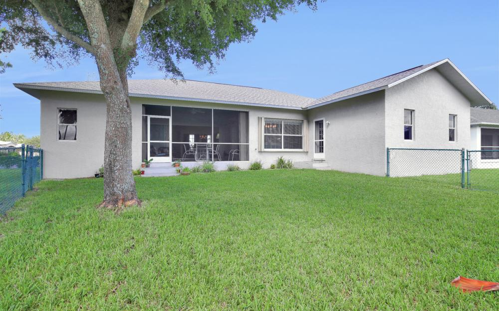 8840 Staghorn Way, Fort Myers - Home For Sale 1098690300