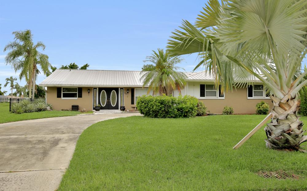 702 Wildwood Pkwy - Home For Sale 2030244177