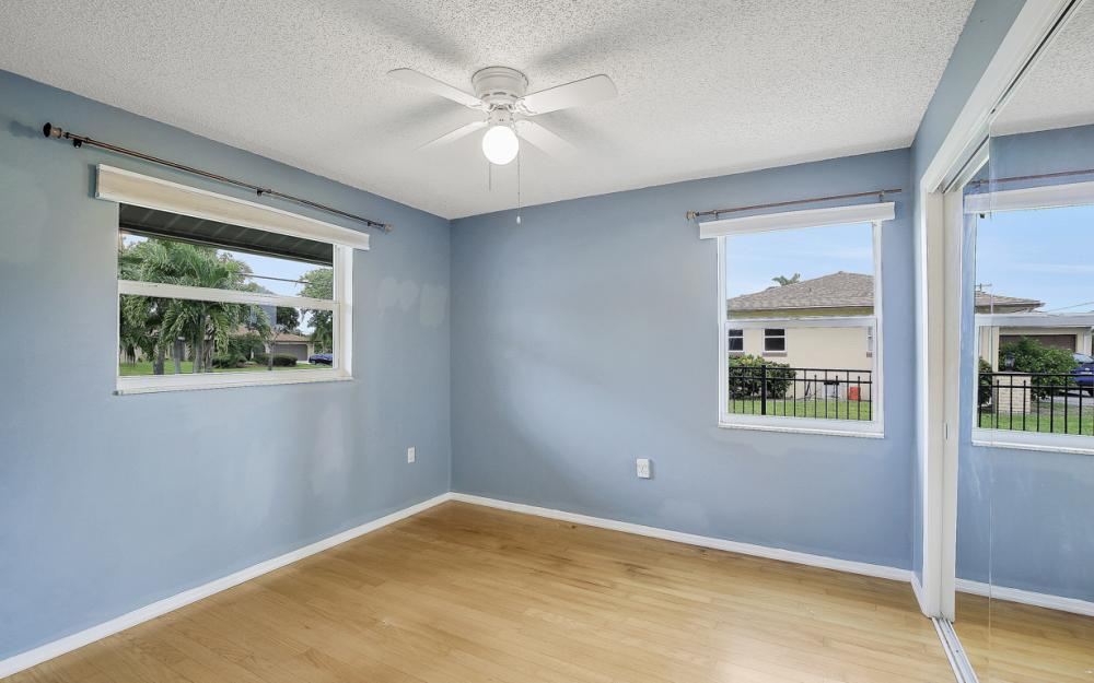 702 Wildwood Pkwy - Home For Sale 903675939