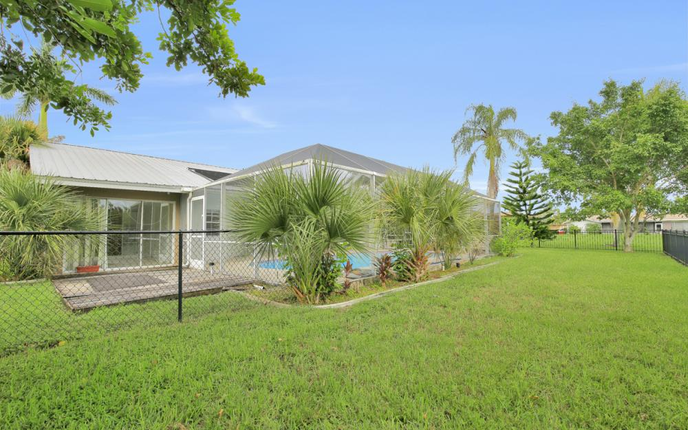 702 Wildwood Pkwy - Home For Sale 736028336