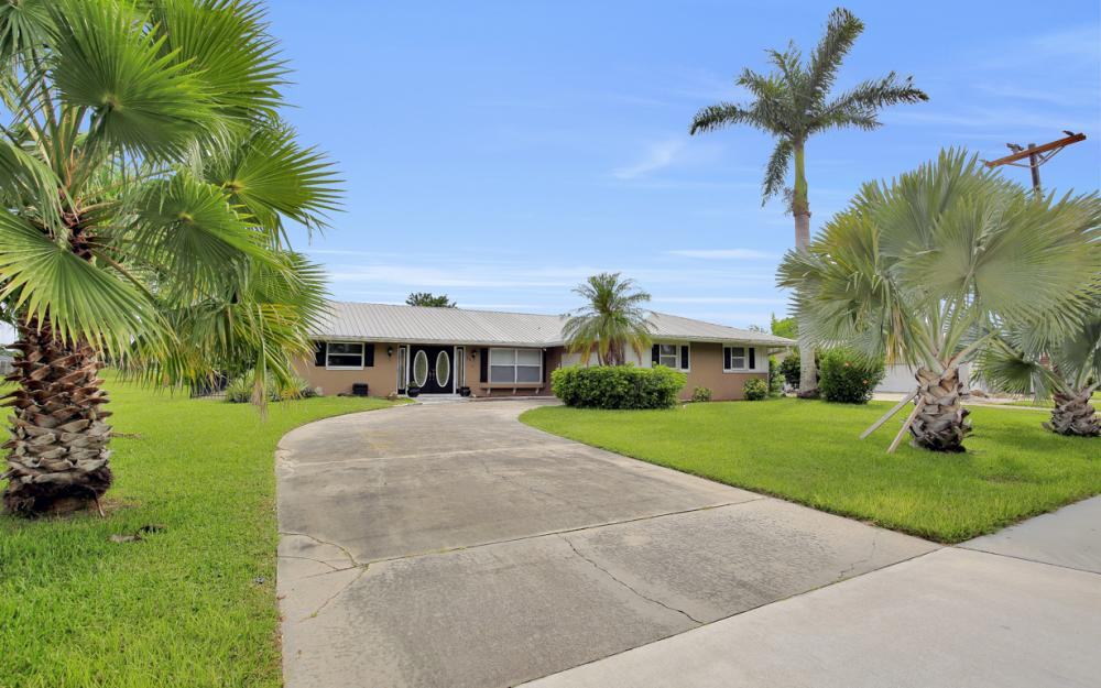 702 Wildwood Pkwy - Home For Sale 257143558