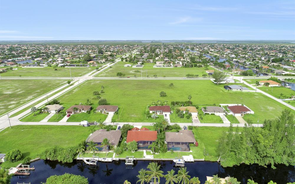 4129 SW 20th Ave, Cape Coral - Home For Sale 1221064477