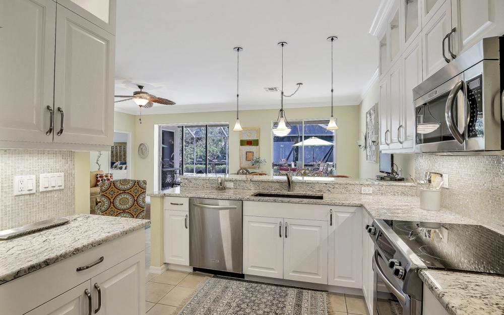 25200 Bay Cedar Dr, Bonita Springs - Home For Sale 288346808