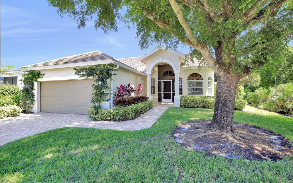 25200 Bay Cedar Dr, Bonita Springs - Home For Sale 656972891