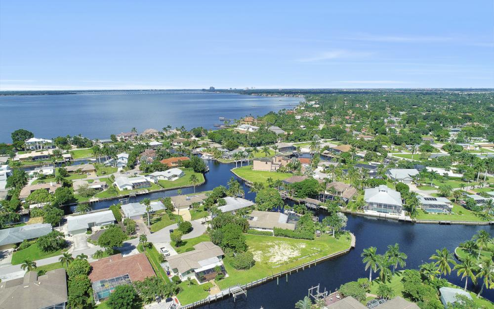 422 Parkway Ct, Fort Myers   - Lot For Sale 357427011