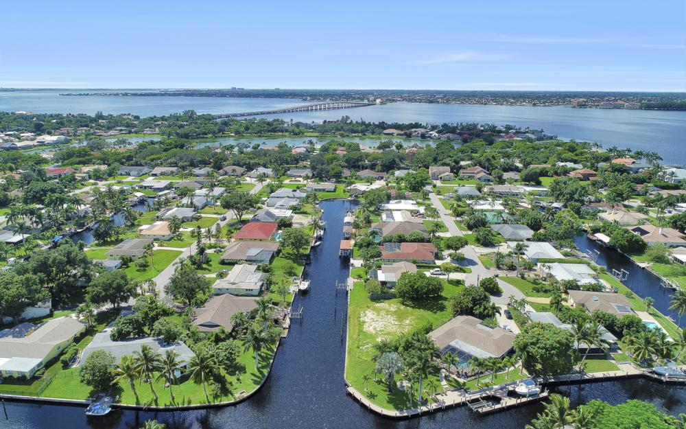 422 Parkway Ct, Fort Myers   - Lot For Sale 2035457065