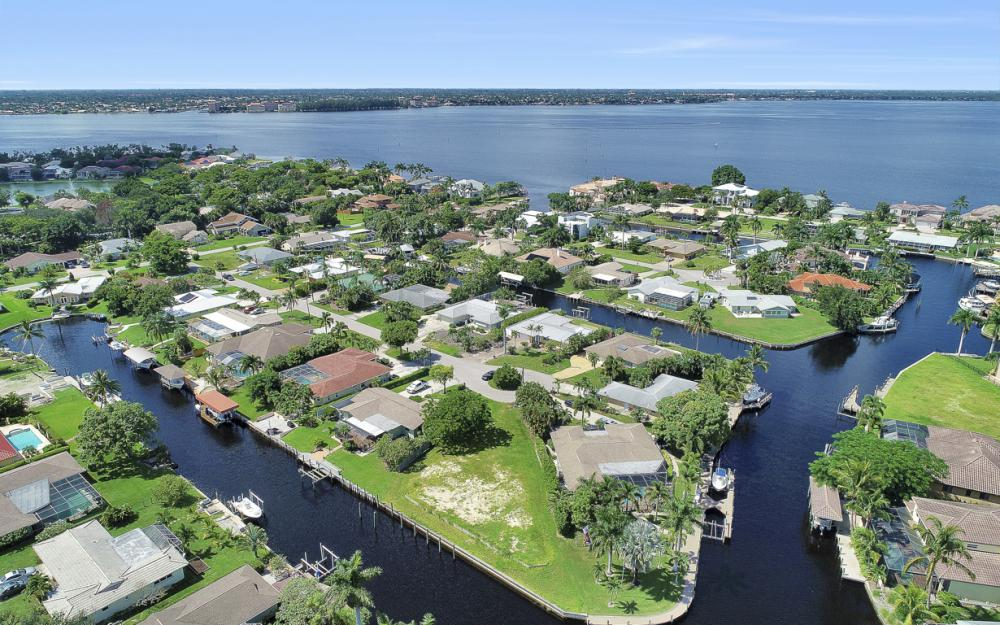 422 Parkway Ct, Fort Myers   - Lot For Sale 717054588