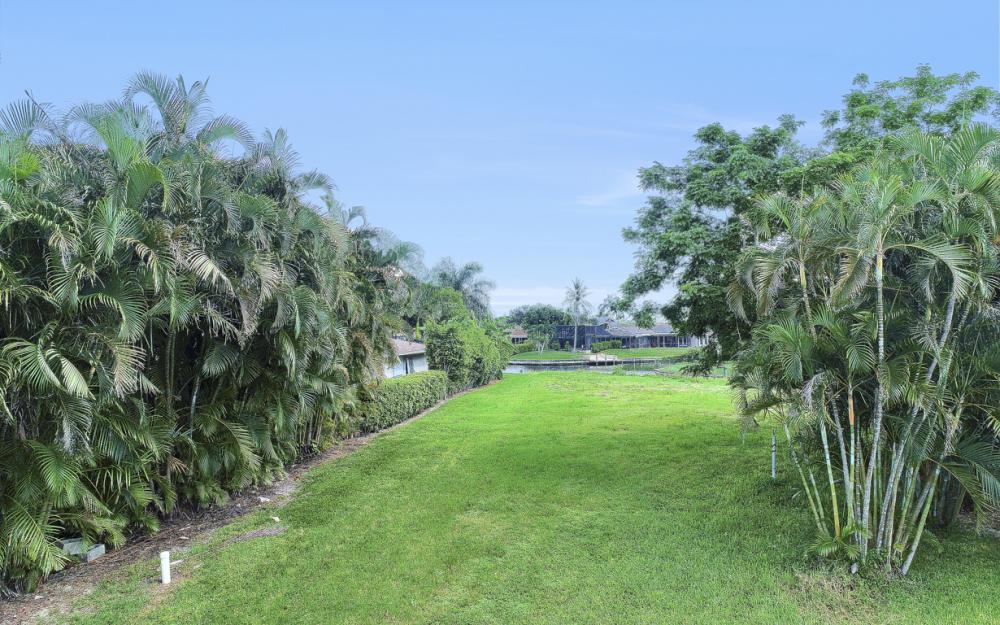 422 Parkway Ct, Fort Myers   - Lot For Sale 1803499399