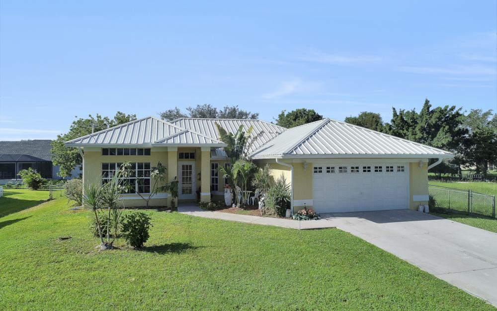 2806 SW 31st Ln Cape Coral - Home For Sale 1972742232