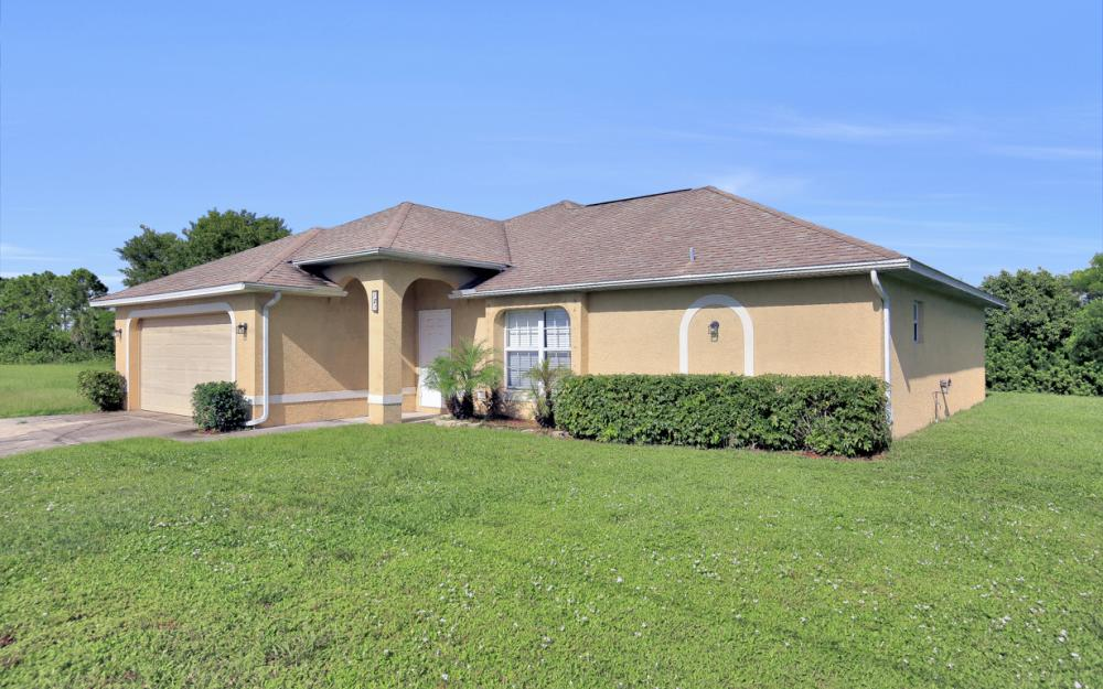 121 Cultural Park Blvd N, Cape Coral - Home For Sale 235015875