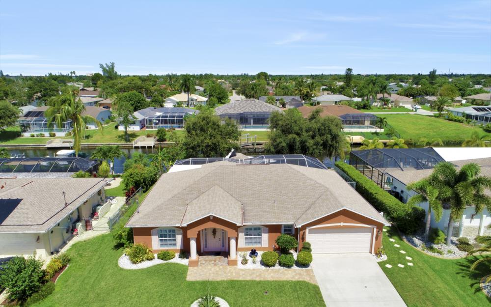 1821 SE 10th St, Cape Coral - Home For Sale 817694250