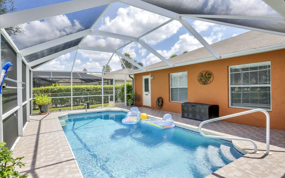 1821 SE 10th St, Cape Coral - Home For Sale 2030152596
