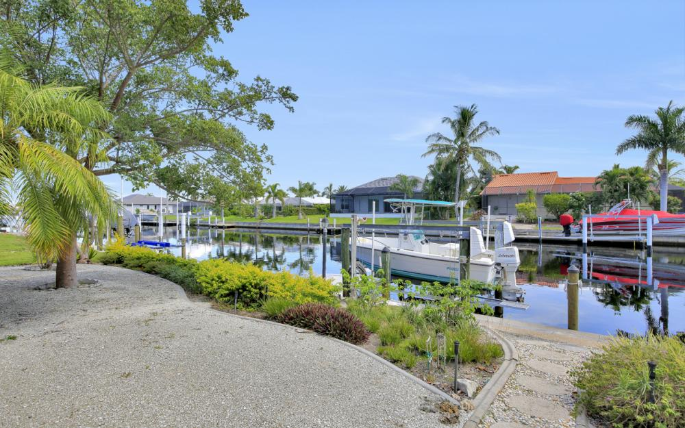 1016 Messina Dr, Punta Gorda - Home For Sale 389384857