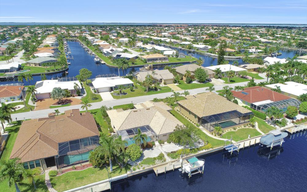 1016 Messina Dr, Punta Gorda - Home For Sale 1019807339