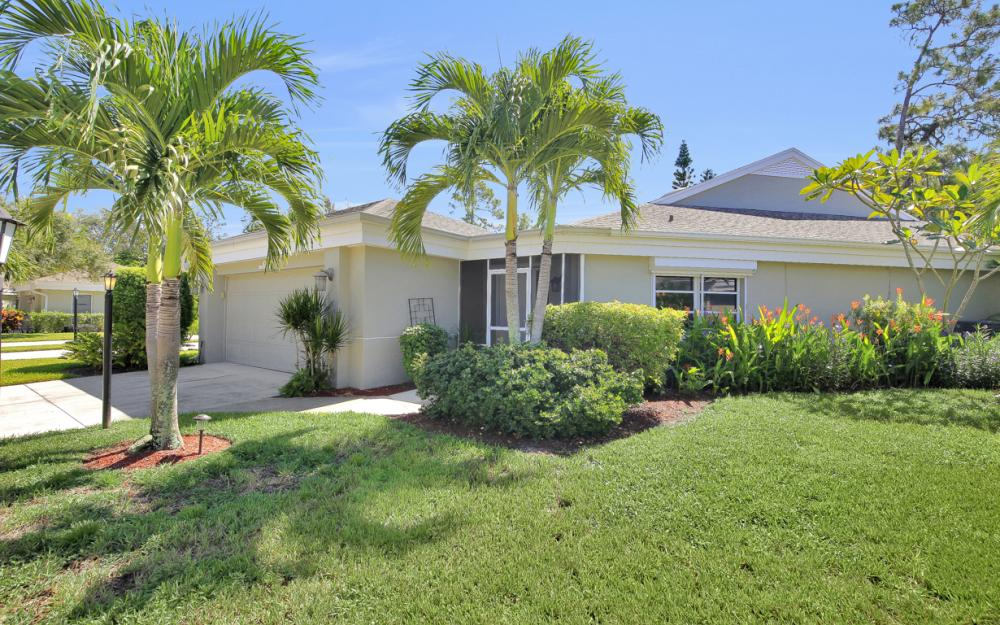 21707 Sungate Ct, Estero - Home For Sale 127473764