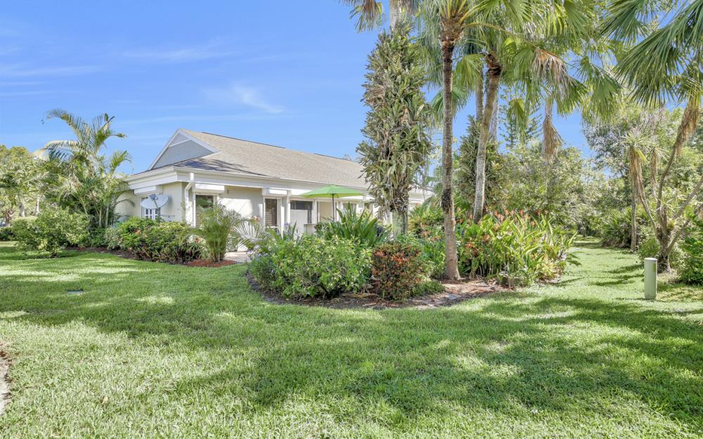 21707 Sungate Ct, Estero - Home For Sale 129511680