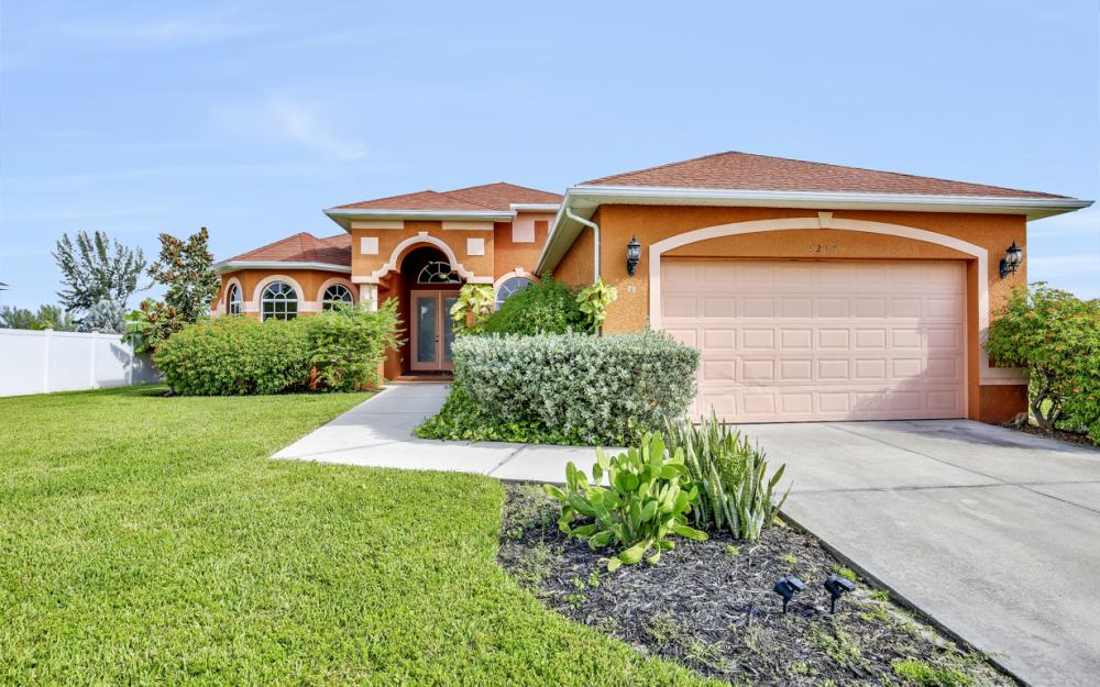 1217 SW 33rd Terrace, Cape Coral - Home For Sale 166420554