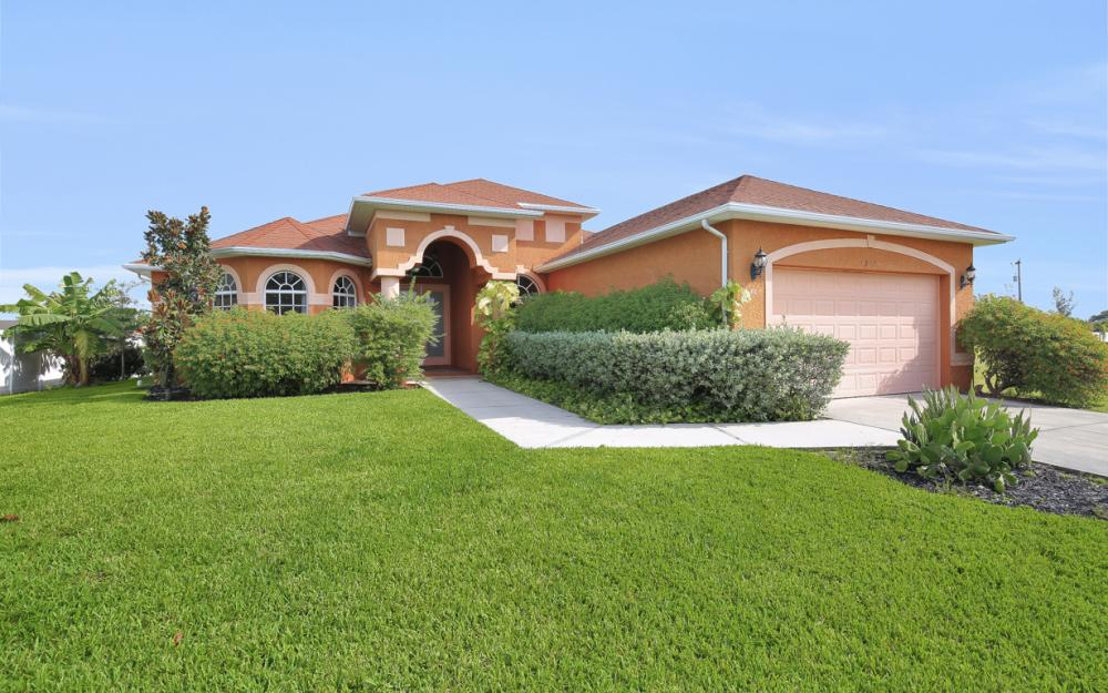 1217 SW 33rd Terrace, Cape Coral - Home For Sale 1675262564